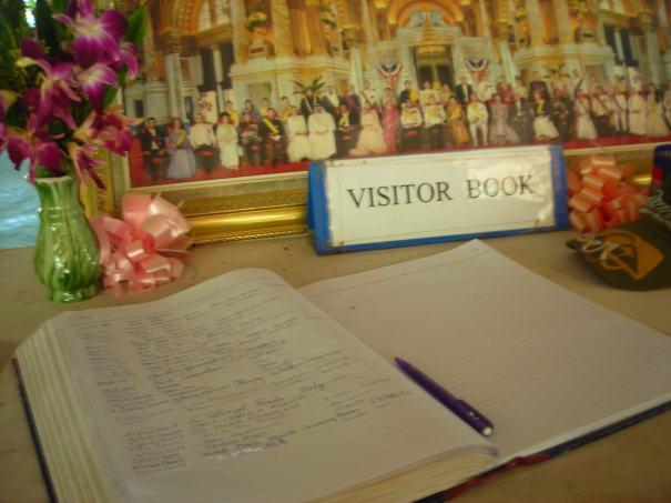 在訪客簿上寫中文